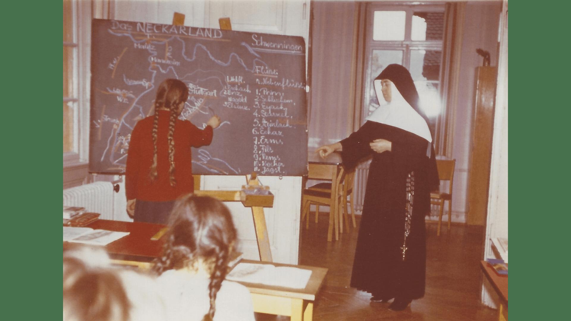 Im Unterricht-1966-67. Foto; Archiv Arme Schulschwestern