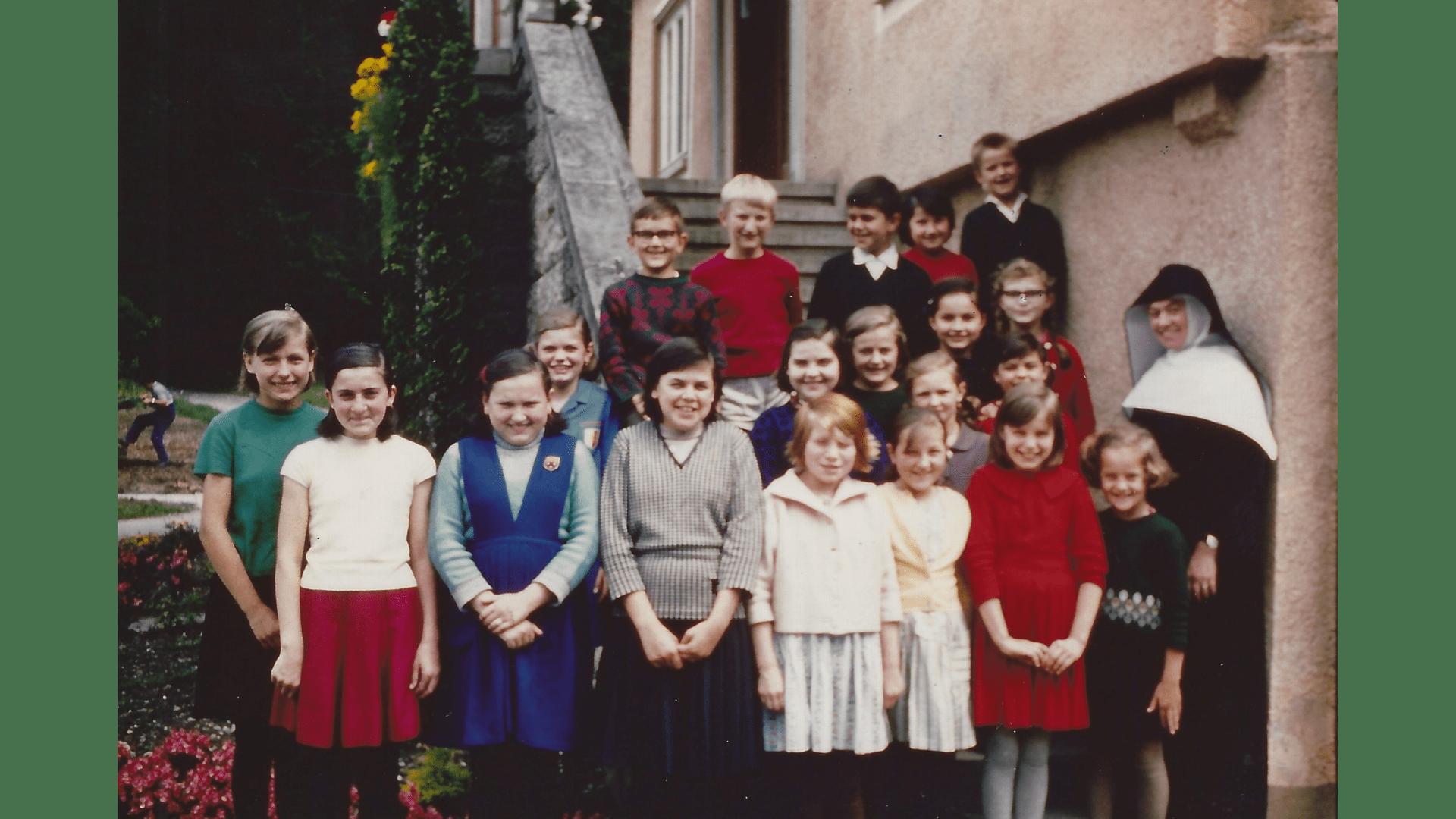 Lockere Entspannung zwischen dem Unterricht 1966 – Foto: Archiv Arme Schulschwestern