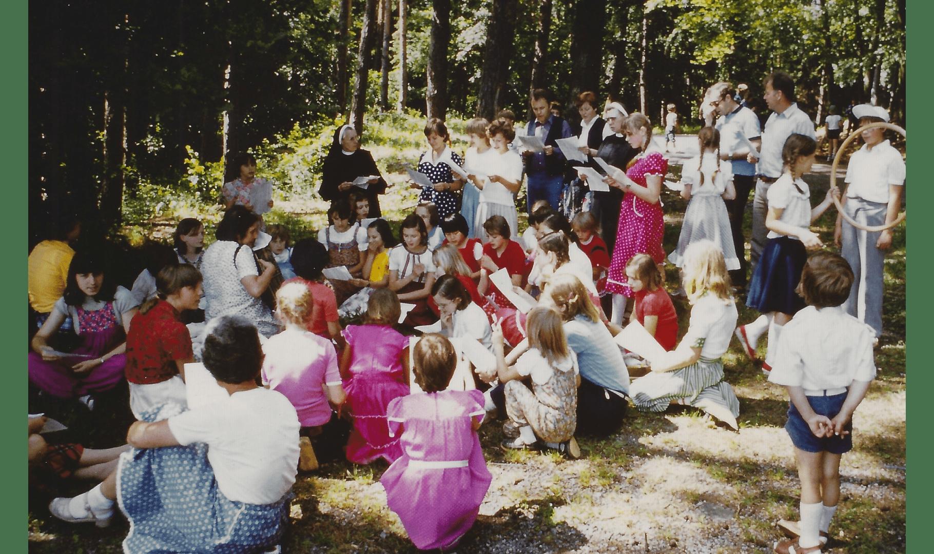 Ausflug zum Ende des Schuljahres 1982. Foto: Archiv Arme Schulschwestern