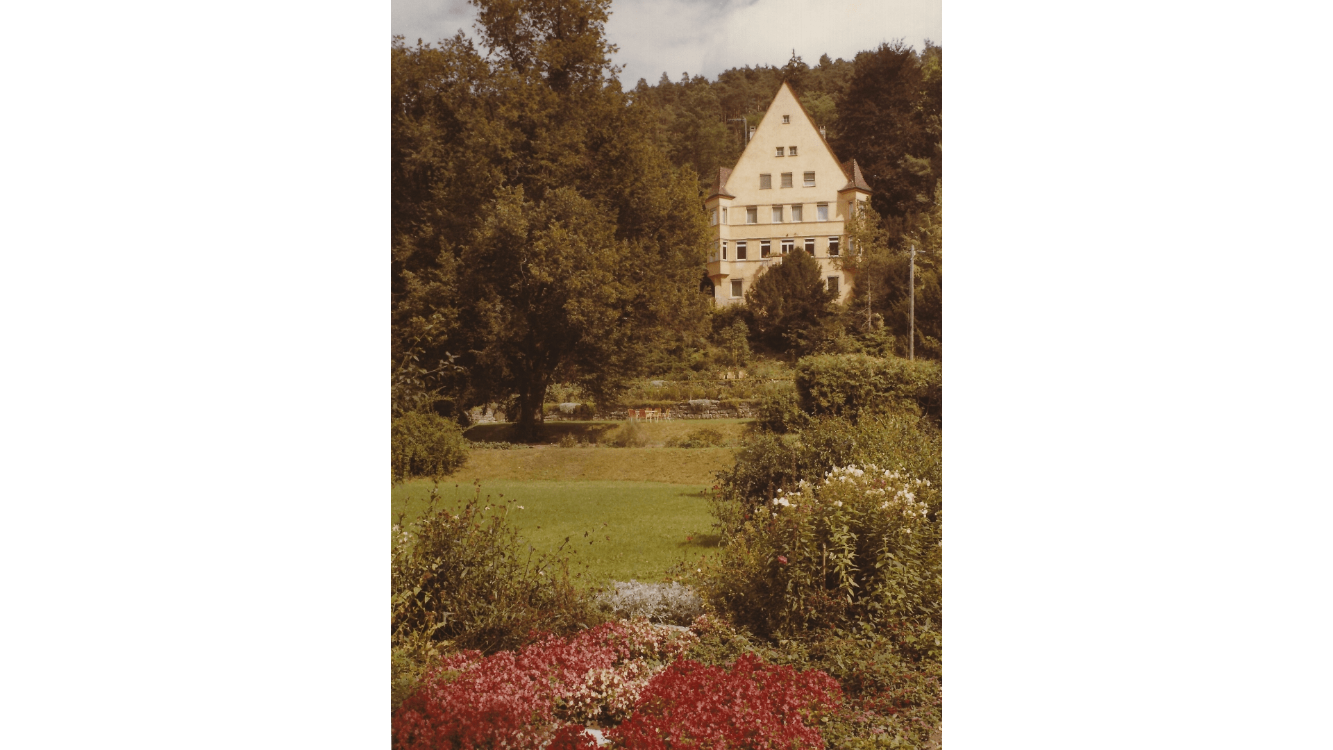 Steinersche Villa vom Klostergarten aus ca. 1975 – Foto:  Archiv Arme Schulschwestern