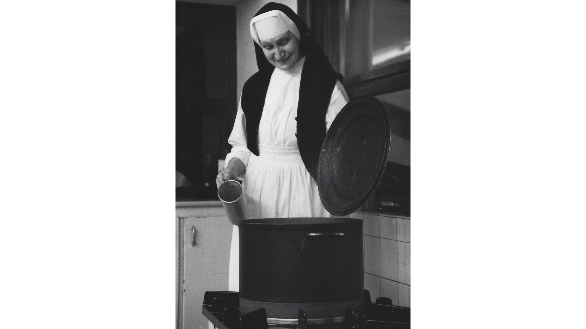 Schwester Borgia  leitet leitet mit viel Leidenschaft und Freude  die Küche. Foto: Archiv Arme Schulschwestern