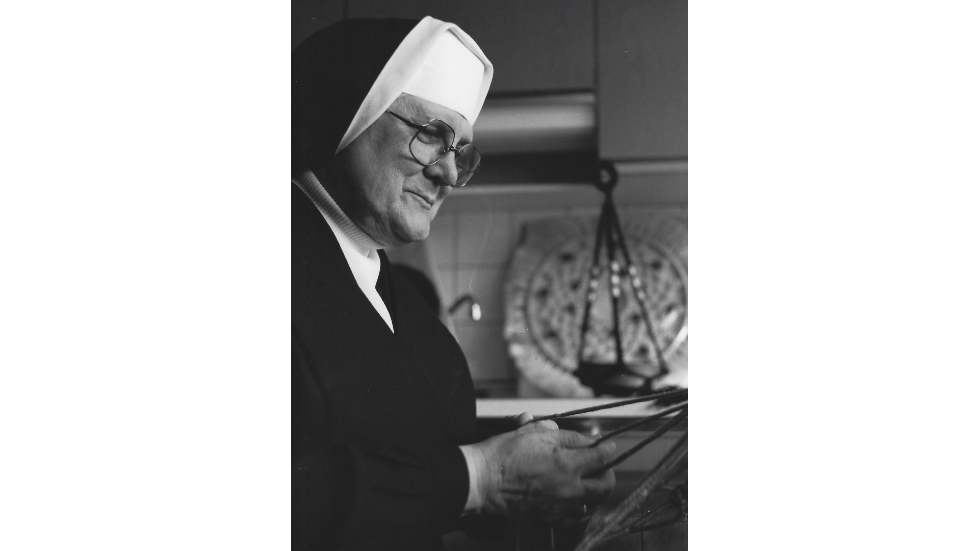 Schwester Martina ist  zuständig für die Beschäftigungstherapie. Foto: Archiv Arme Schulschwestern