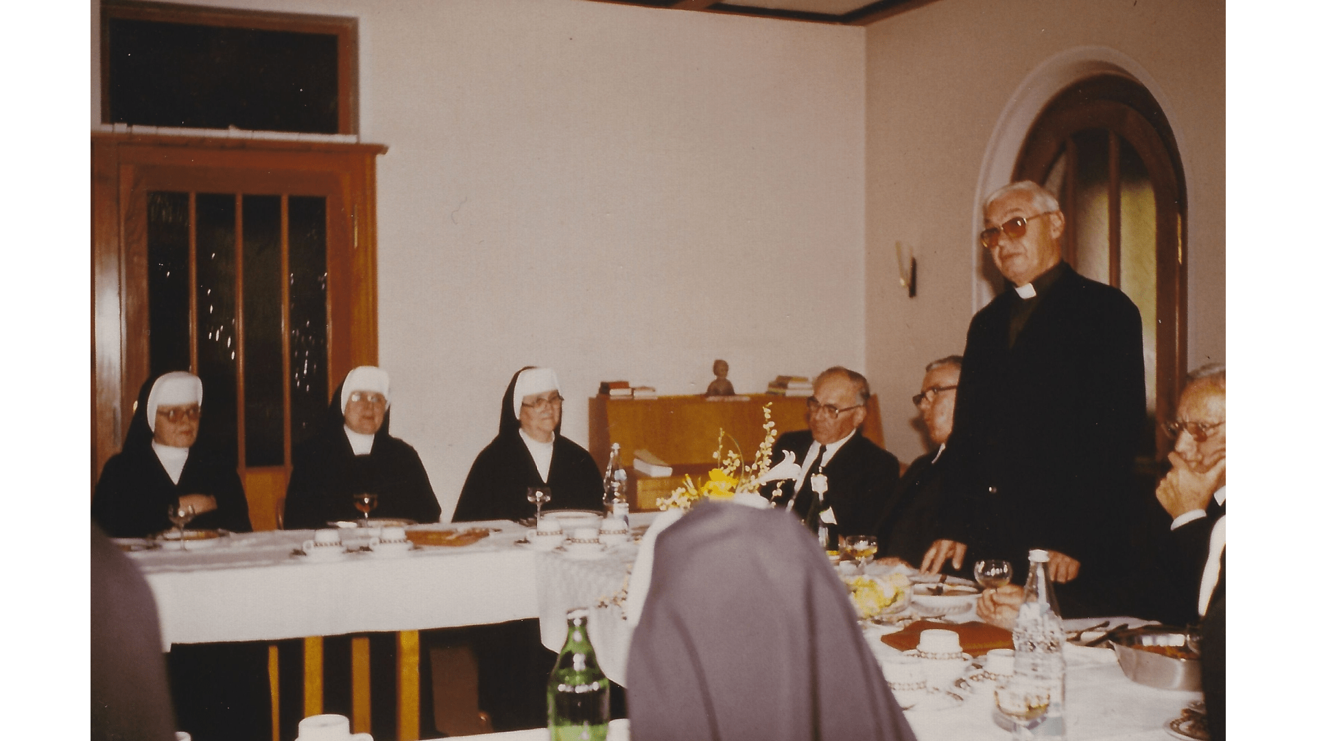 Pater Gruber 1992 – feierte sein 50 jähriges Priesterjubiläum – er kam  zu diesem Anlass zu Besuch zu  seinen Landsleuten und Freunden aus Brasilien