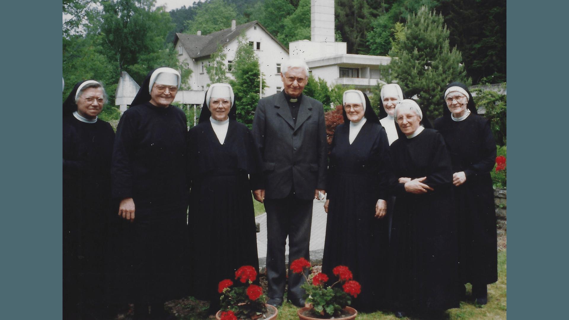 Pater Gruber - 40. Jahre Priester - 1982- Feier in Bad Niedernau. Foto: Archiv Arme Schulschwestern