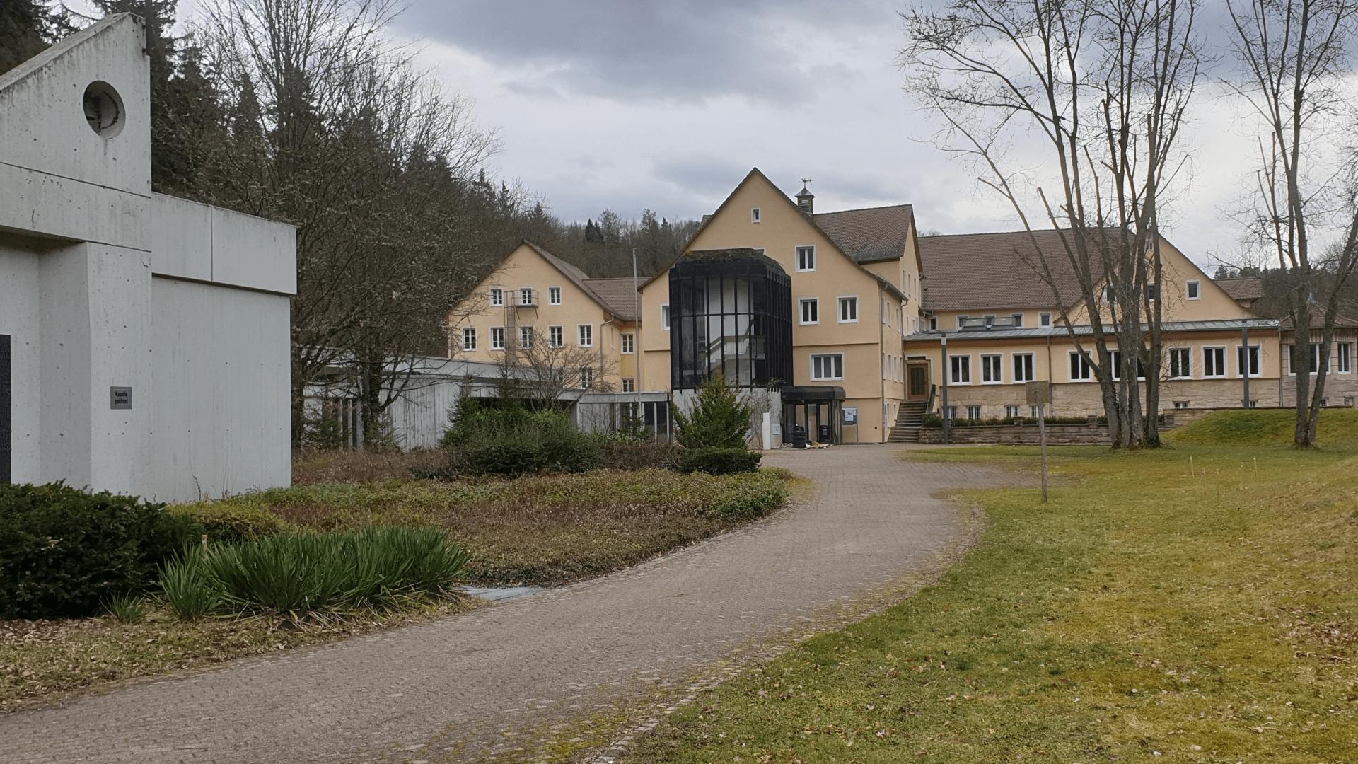 Sanatorium- Gesamtansicht von der Kapellenseite – Foto: Archiv Arme Schulschwestern