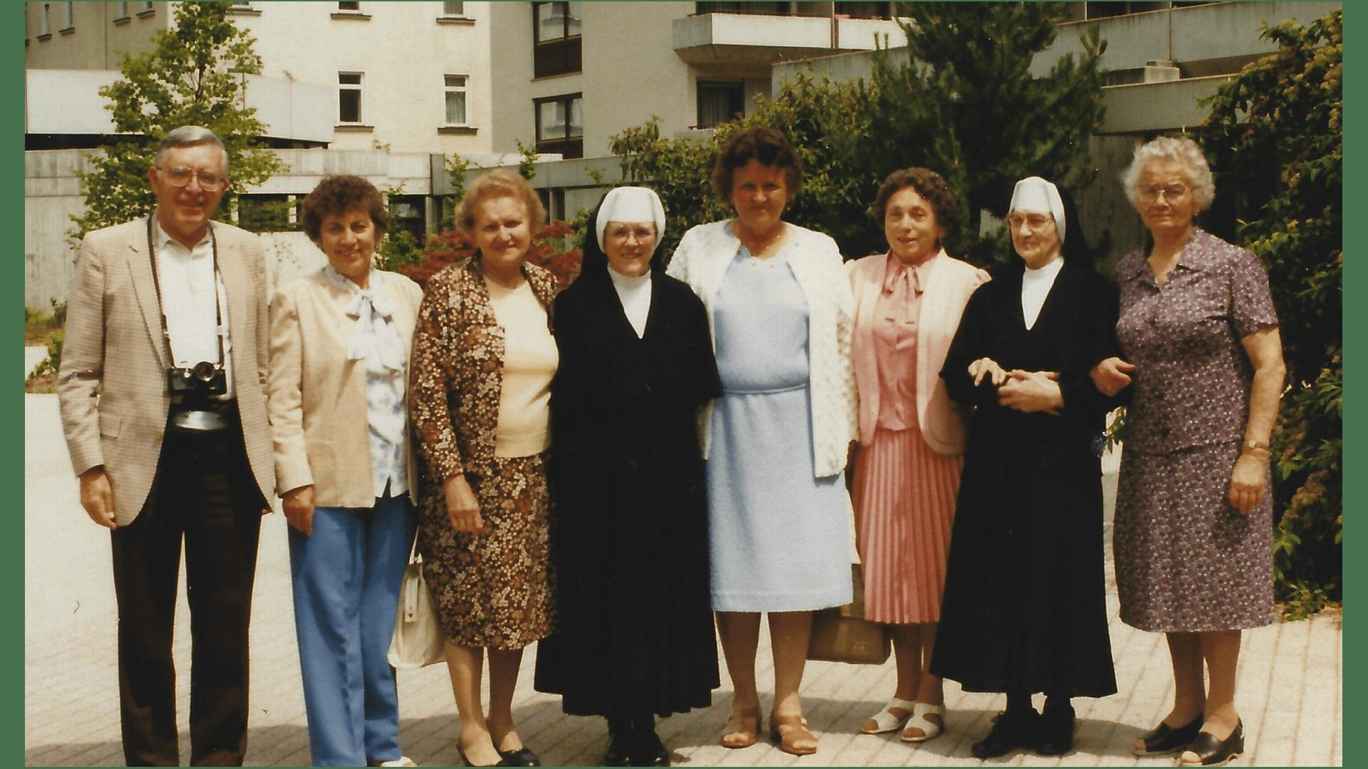 Kurgäste (Landsleute der Schwestern) 1984-aus Chicago, Wien und Deidesheim. Foto: Archiv Arme Schulschwestern