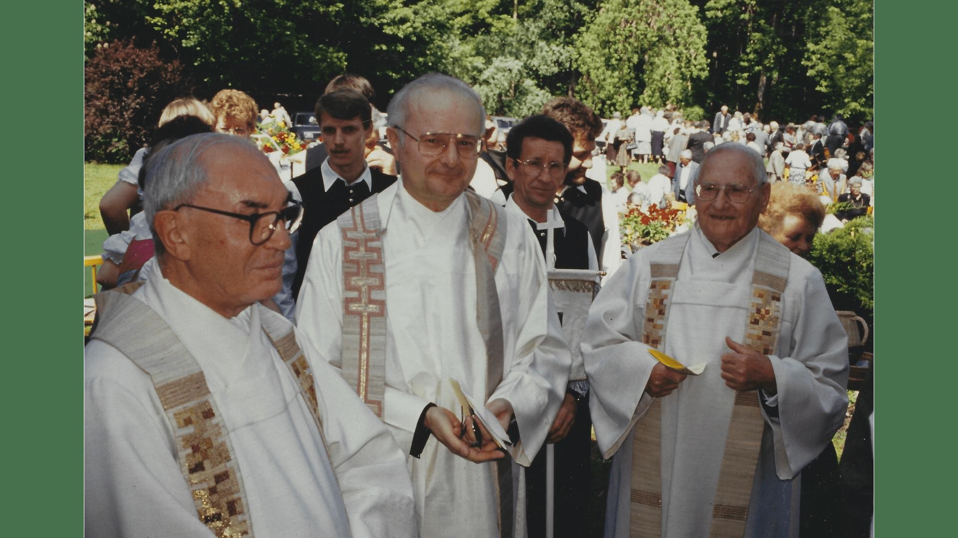 Wallfahrt Christi Himmelfahrt 1993 - Prälat Dr. Robert Zollitsch, P. Philipp Johler SJ, Pfarrer Andreas Moschina. Foto: Archiv Arme Schulschwestern