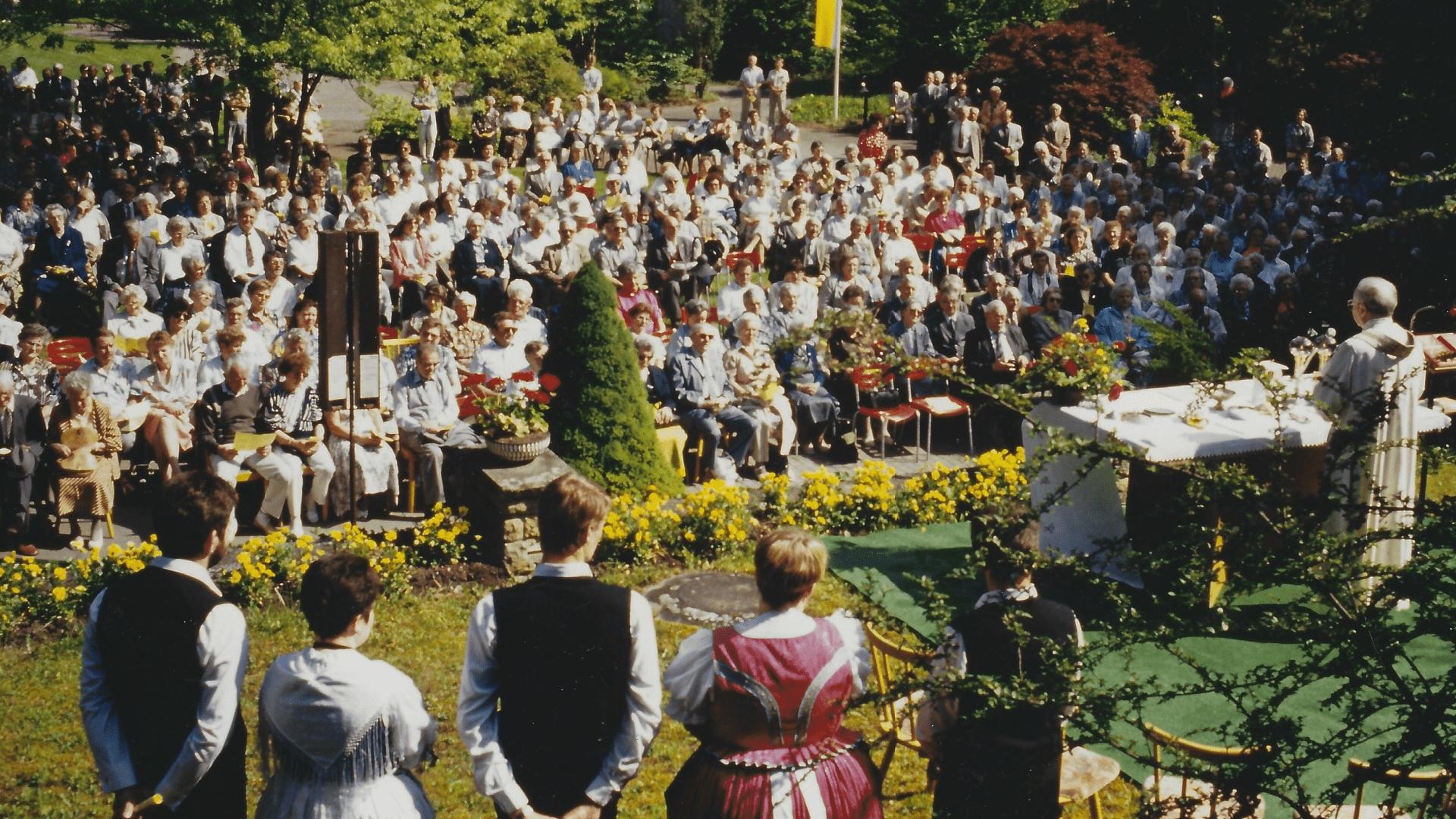 Wallfahrt Christi Himmelfahrt 1993 – über 400 Pilger.  Foto: Archiv Arme Schulschwestern