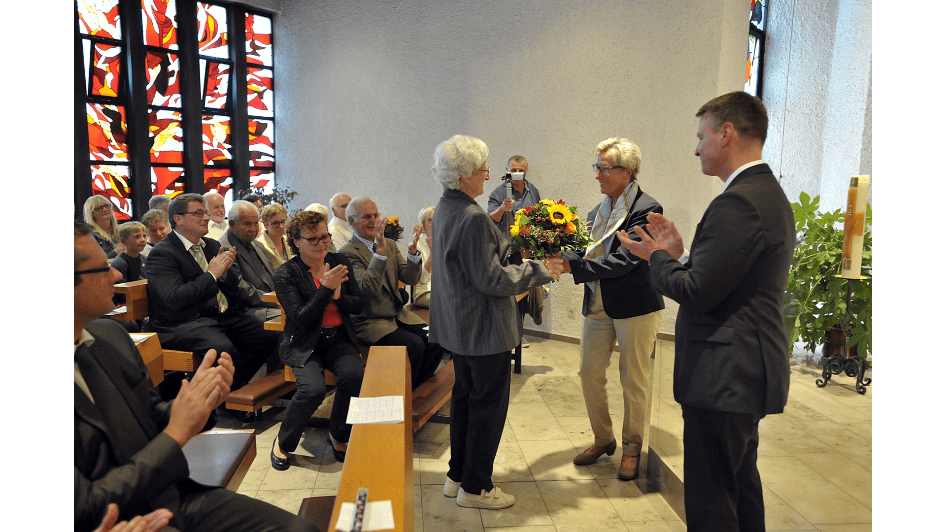 Dank an Frau Dr. Hörnle für über 30 jährige ärztliche Betreuung der Schwestern. Foto:Archiv Freundeskreis Filipowa