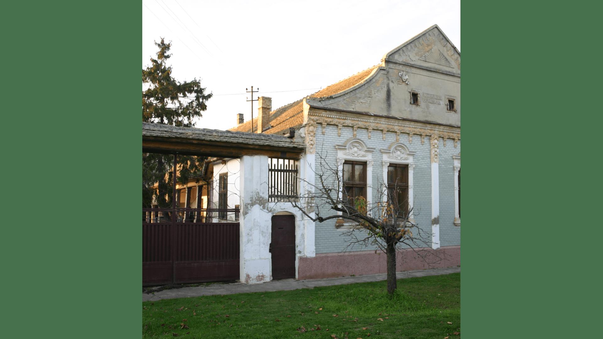 Gut erhaltenes Haus der ehemals wohlhabenden Bauersleute Johann und Magdalena Haumann in der Klostergasse 54. Aufnahme von 2007. Foto: Archiv Freundeskreis Filipowa