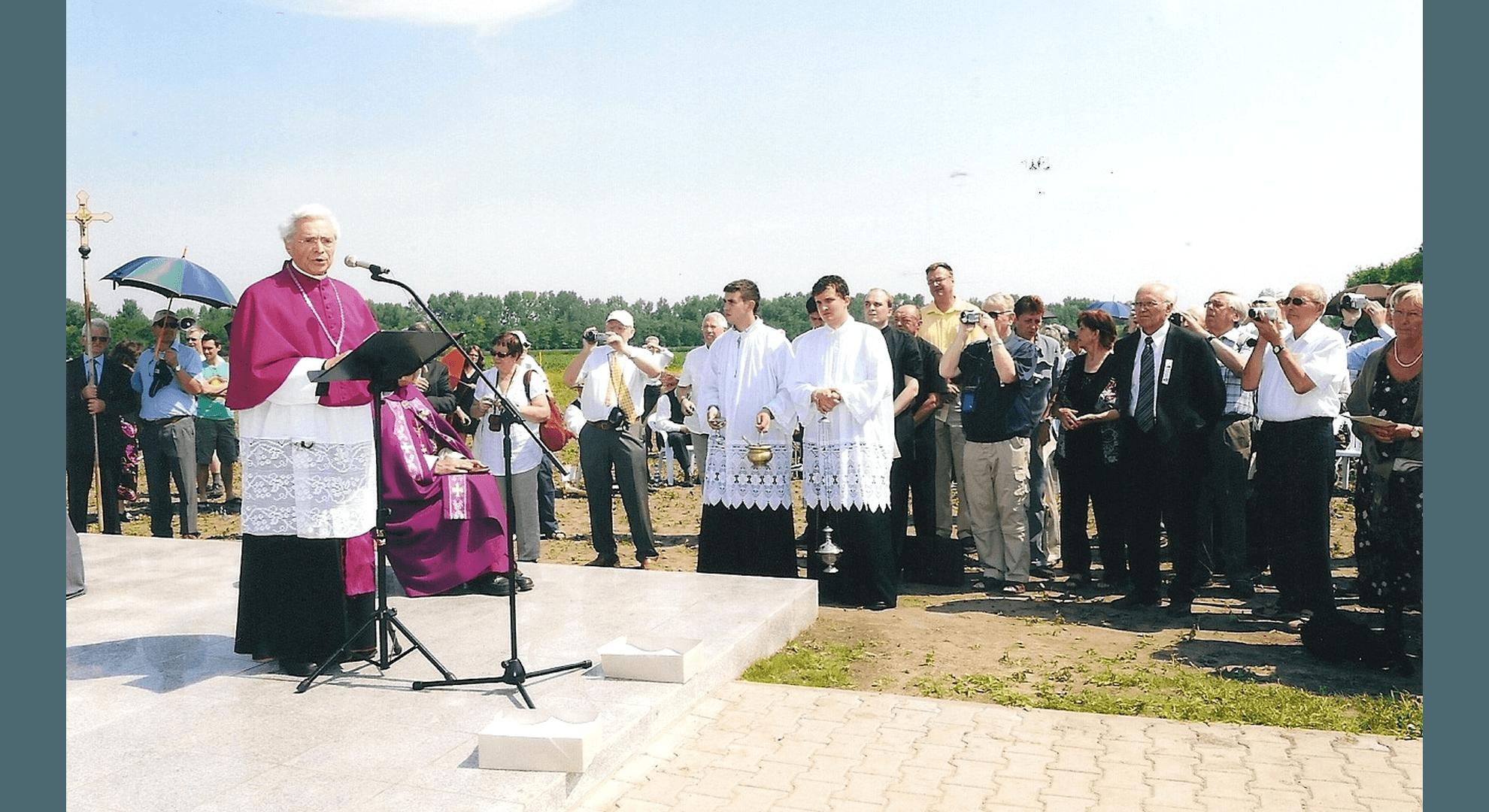 Prälat Josef Eichinger aus St. Pölten bei der Gedenkrede. Foto: Archiv Freundeskreis Filipowa