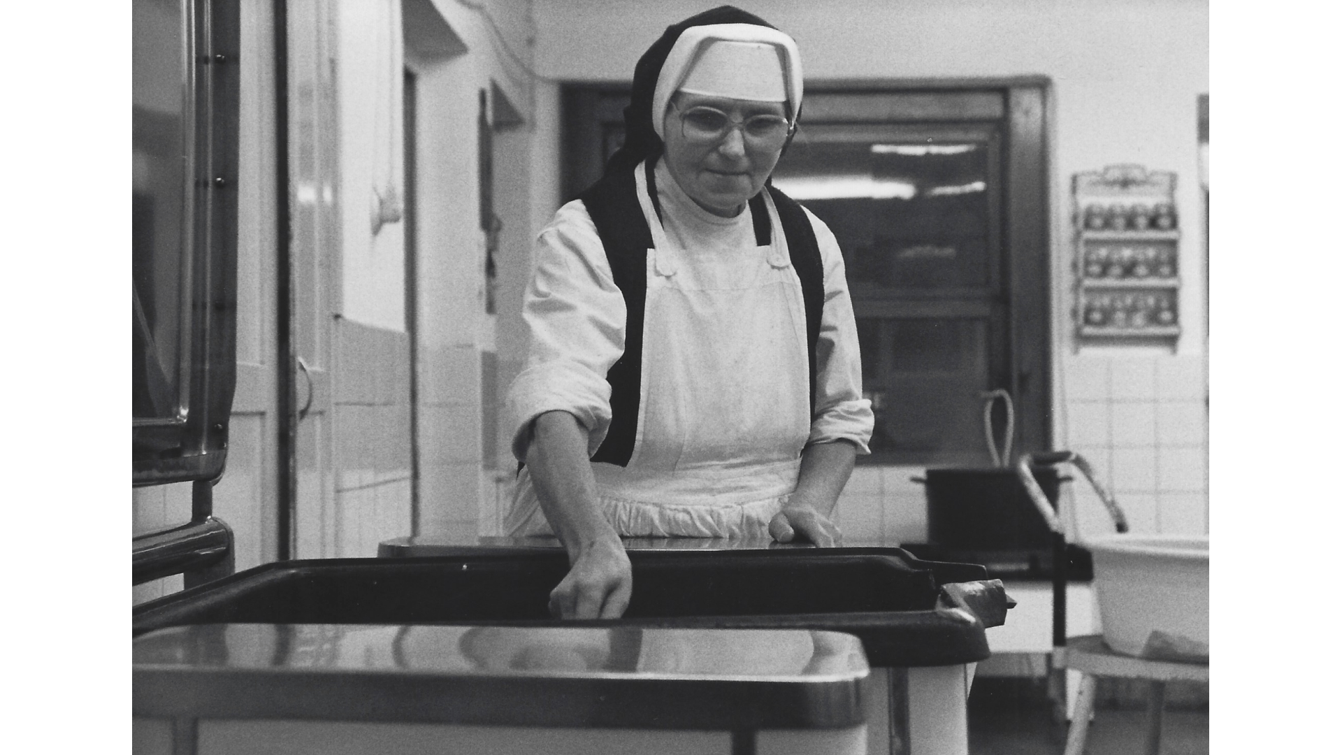 Schwester Borromäa Im Einsatz wo sie gebraucht wird. Foto: Archiv Arme Schulschwestern