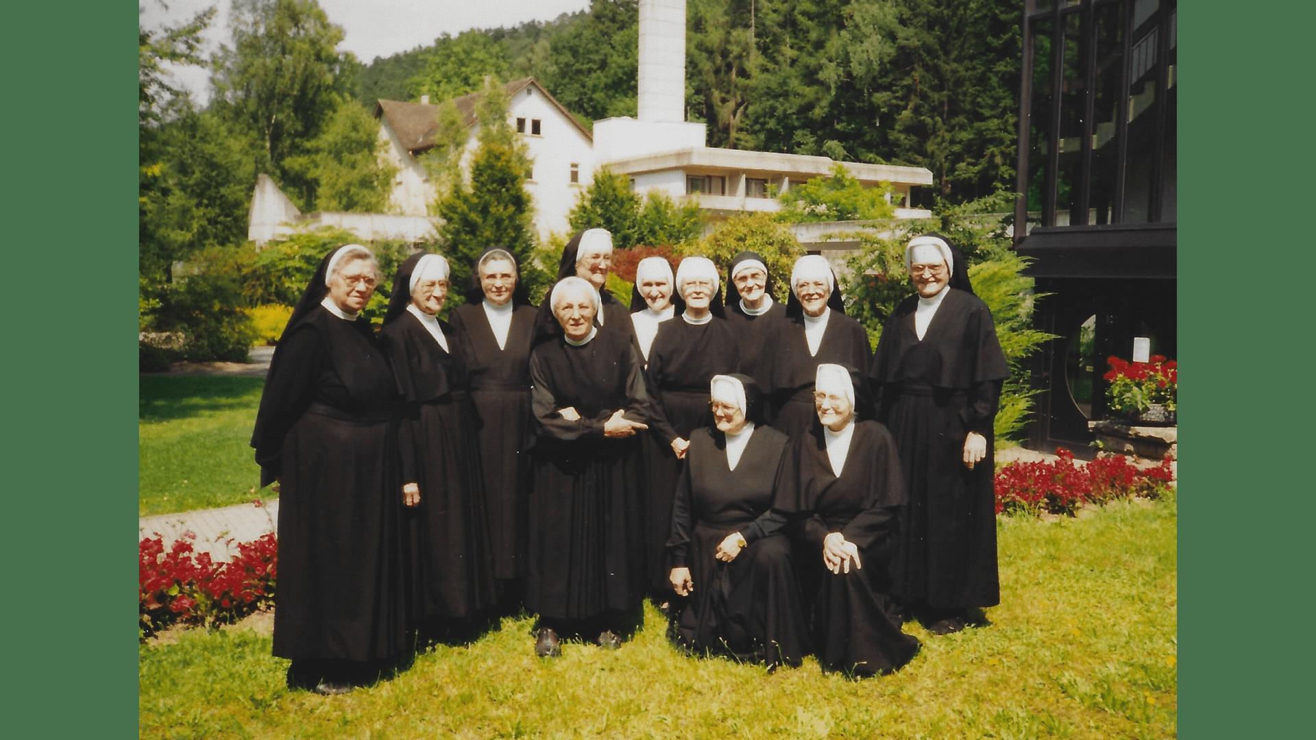 Die Schwestern Gruppenfoto 1993 Foto: Archiv Arme Schulschwestern
